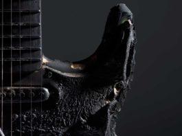 Guitarra carbonizada