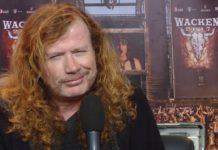 Dave Mustaine dando entrevista