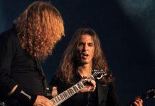 Kiko Loureiro e Dave Mustaine ao vivo