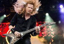 Dave Mustaine tocando ao vivo